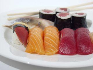 Japan_sushi1